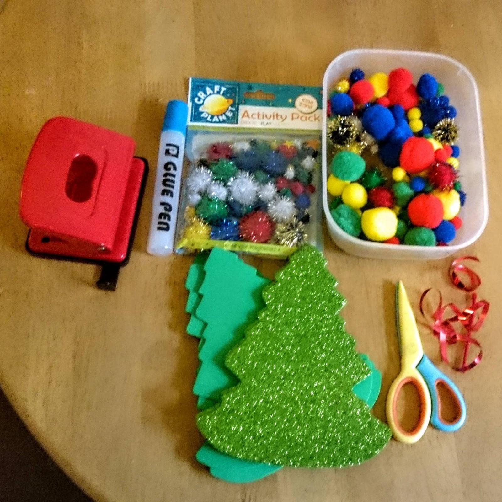 christmas-craft-tree-garland-children