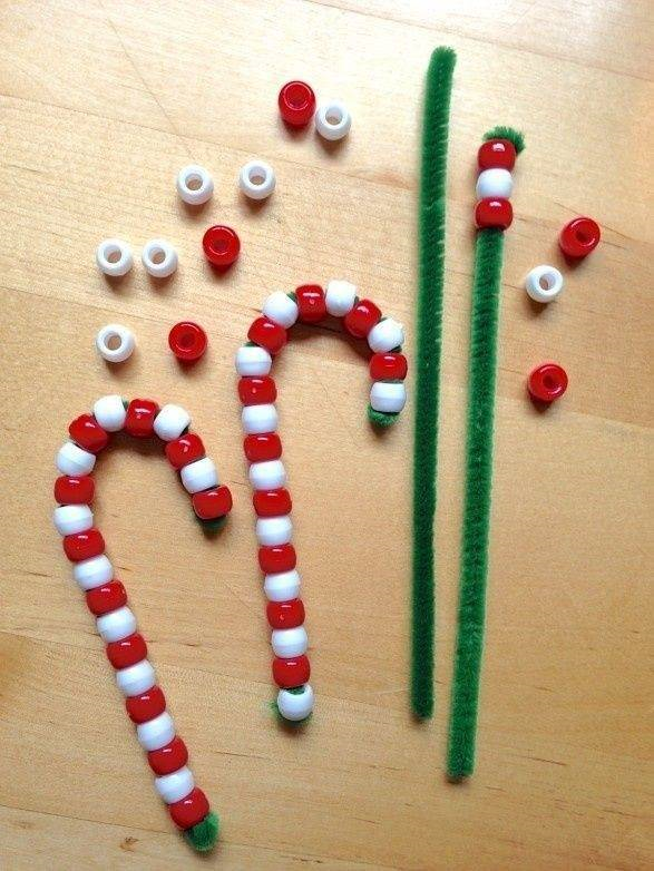 candy-cane-pipe-cleaners