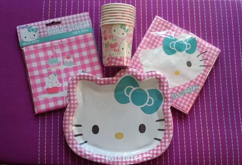 hello kitty party tableware theme