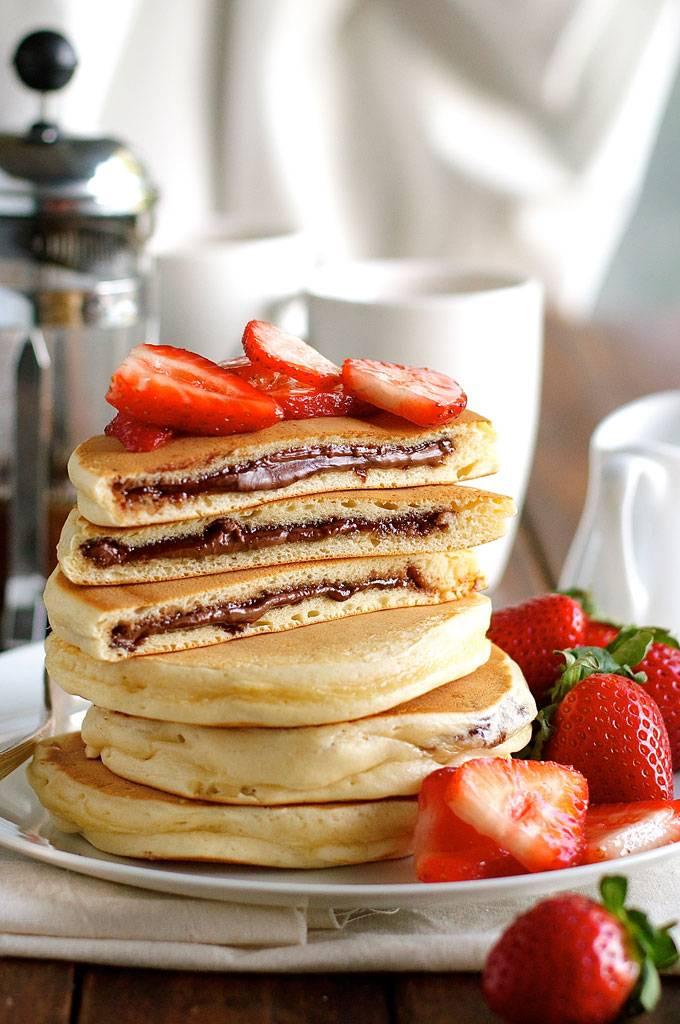 Nutella-Stuffed-Pancakes_680px_1