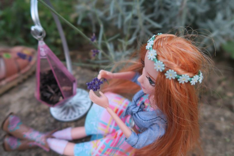 project-mc2-ember-evergreen-doll-review