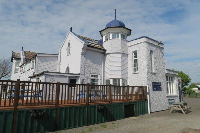 the-lighthouse-inn-capel-le-ferne-kent-review