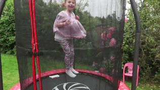 trampoline-elc-uk-6-foot-review-midwifeandlife.com