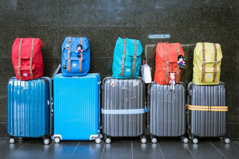 luggage-hand-allowance-planes-packing-tips-family