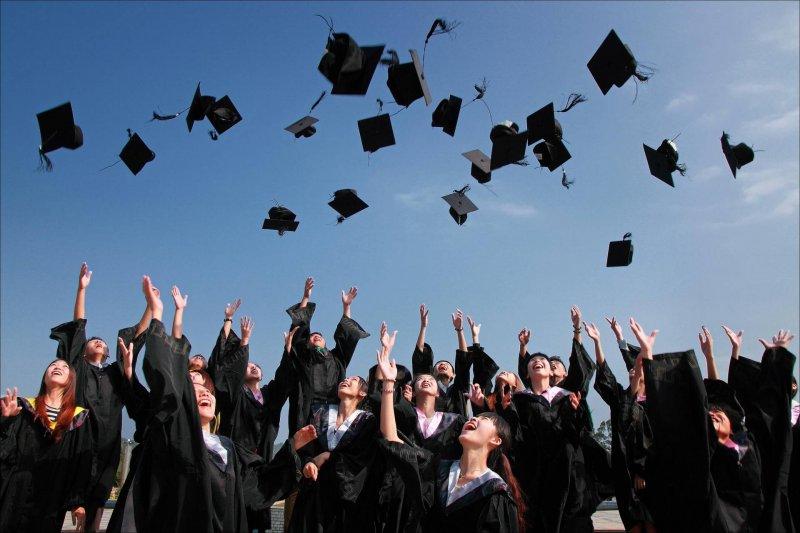 graduation-preparing-child-university