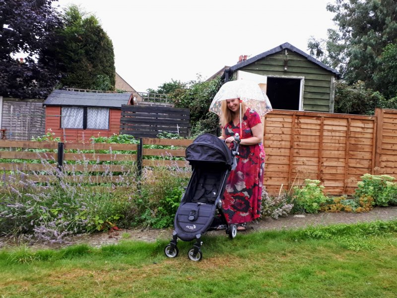 deki-dry-and-go-universal-umbrella-holder-stroller-pushchair-buggy-wheelchair-review-stay-dry-pushing