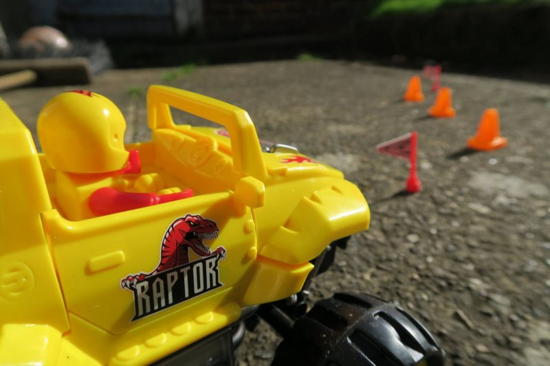 monster-smash-ups-rc-car-review-amazon-argos-rechargeable-ejector-seat