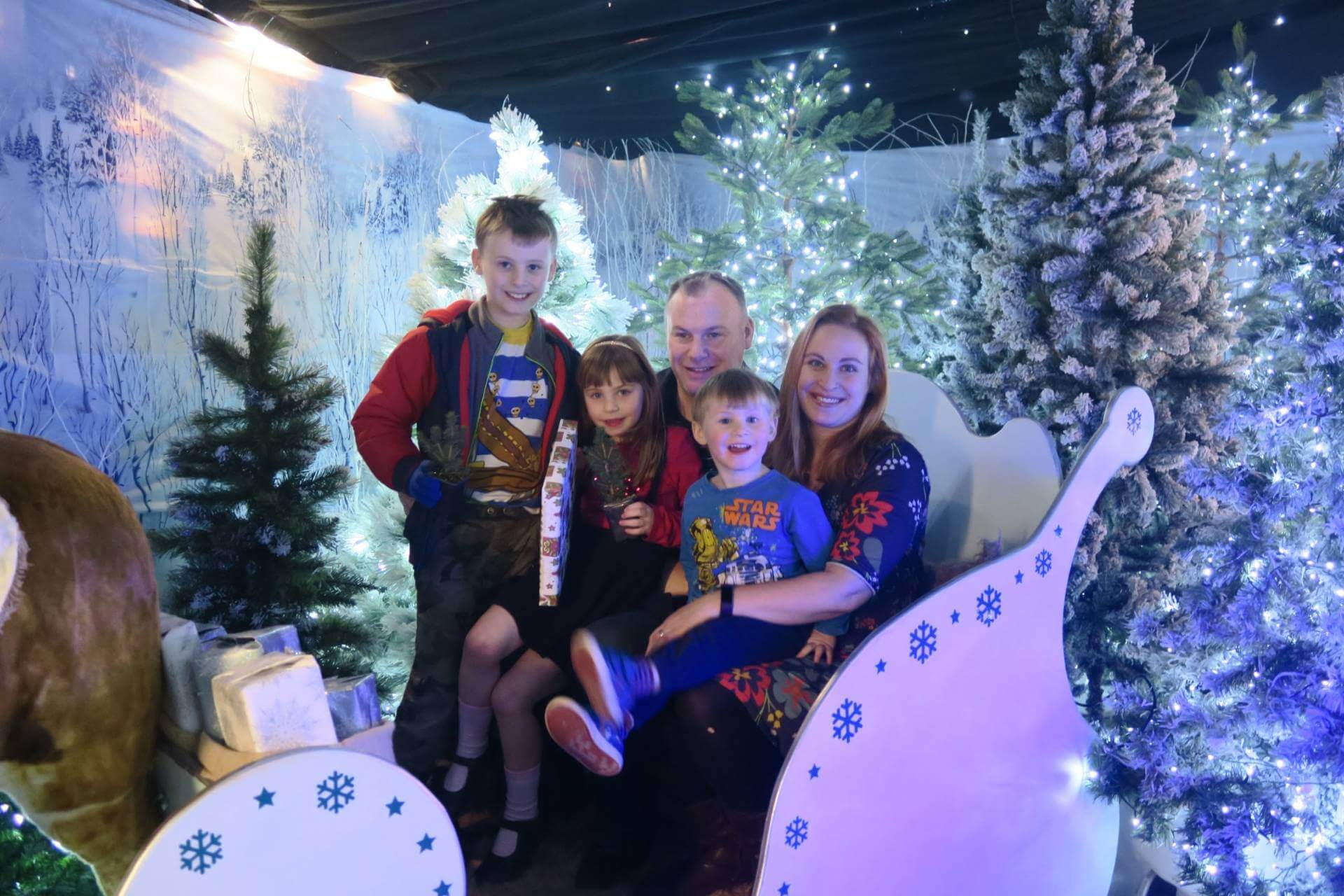 notcutts-maidstone-father-christmas-santas-grotto-experience-review-what-you-get-winter-wonderland-christmas
