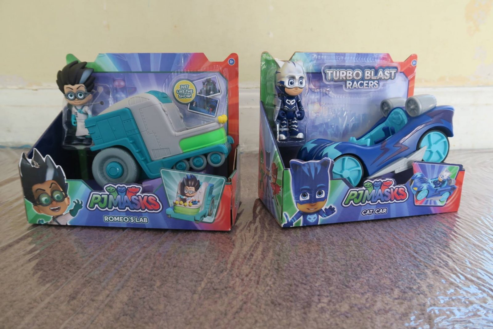PJ Masks Turbo Blast Racers Catboy vs Romeo's Lab Review