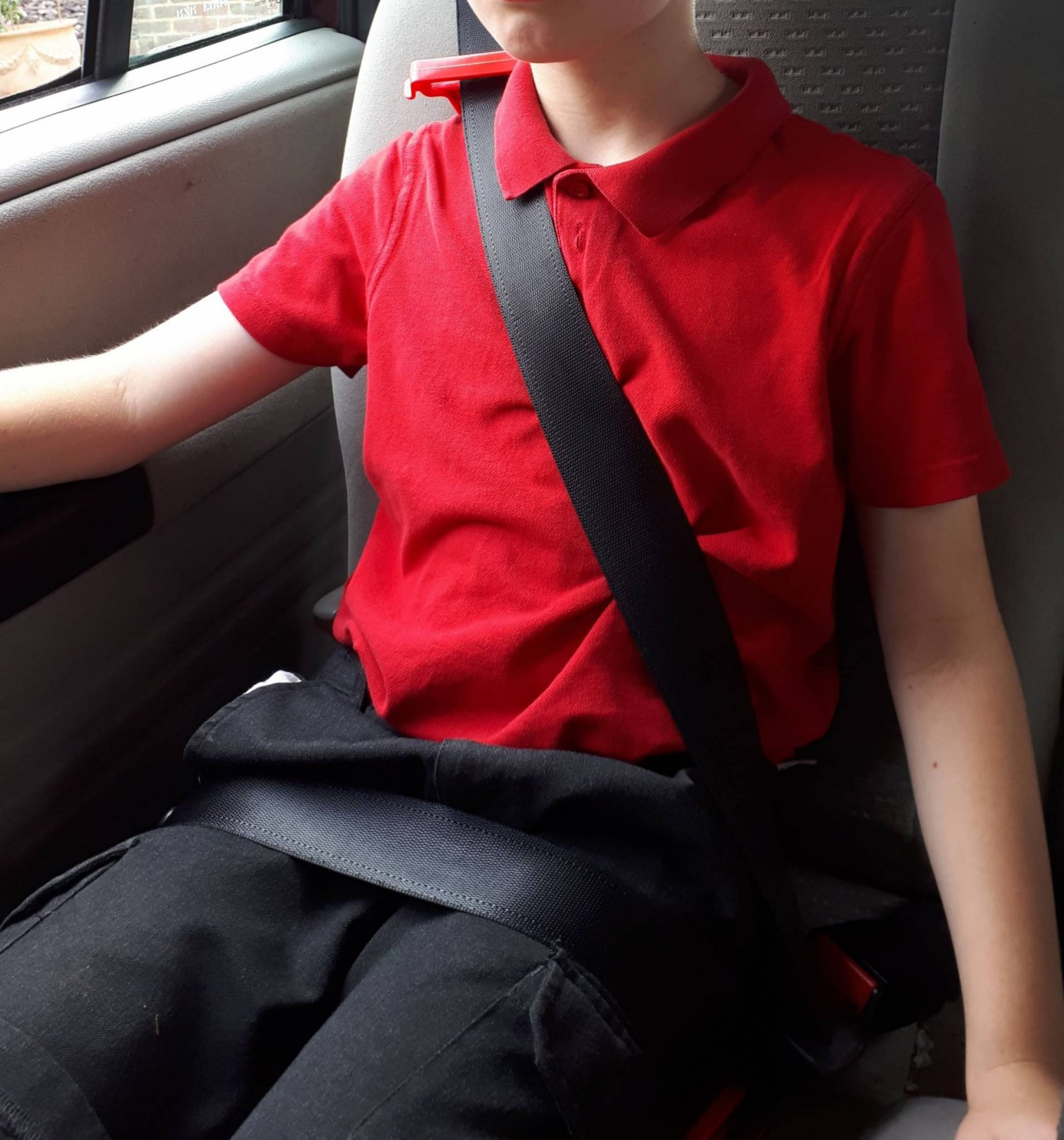 mifold-travel-car-seat-review