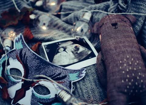 scan photo of baby with lights